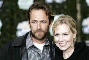 Jennie Garth Thought Luke Perry Called Her Phone After His Death