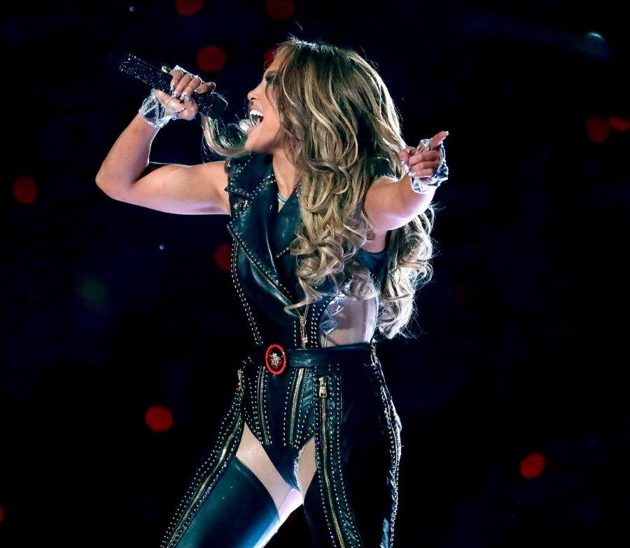 Jennifer Lopez Superbowl 2020 halftime looks 1