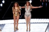 Jennifer Lopez Superbowl 2020 halftime looks 4