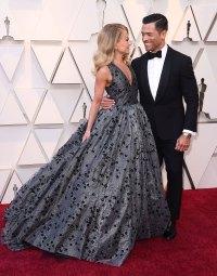 Kelly Ripa and Mark Consuelos Oscars 2019 PDA Gallery