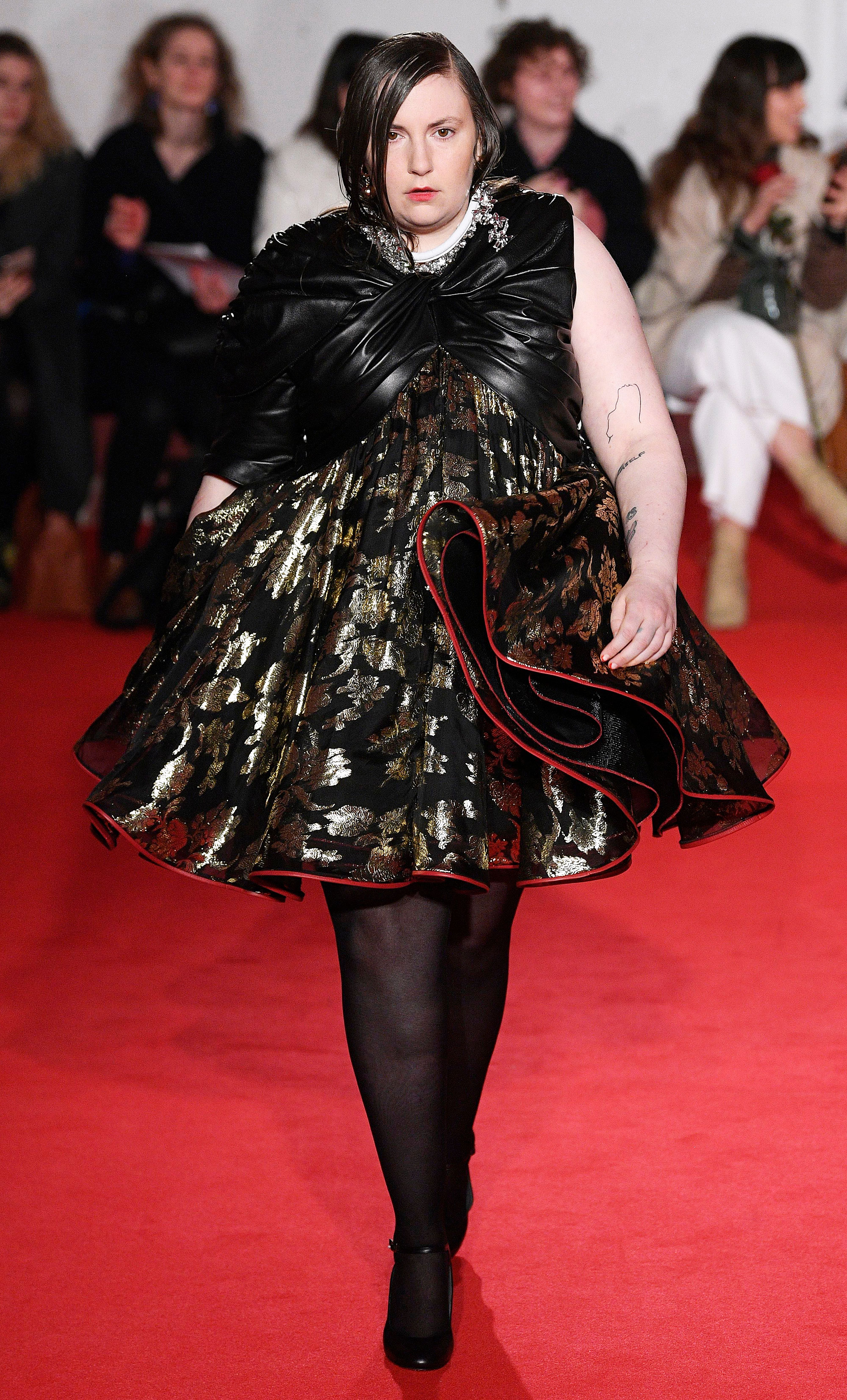Lena Dunham Makes Runway Debut During London Fashion Week