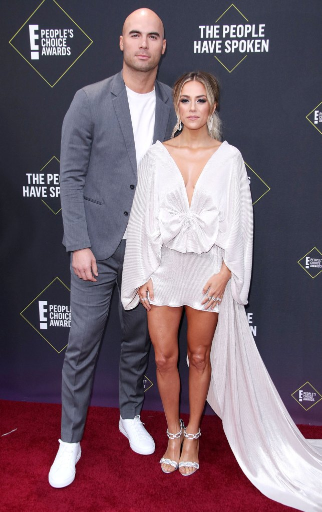 Mike Caussin and Jana Kramer 45th Annual People's Choice Awards Broke a Marriage Boundary