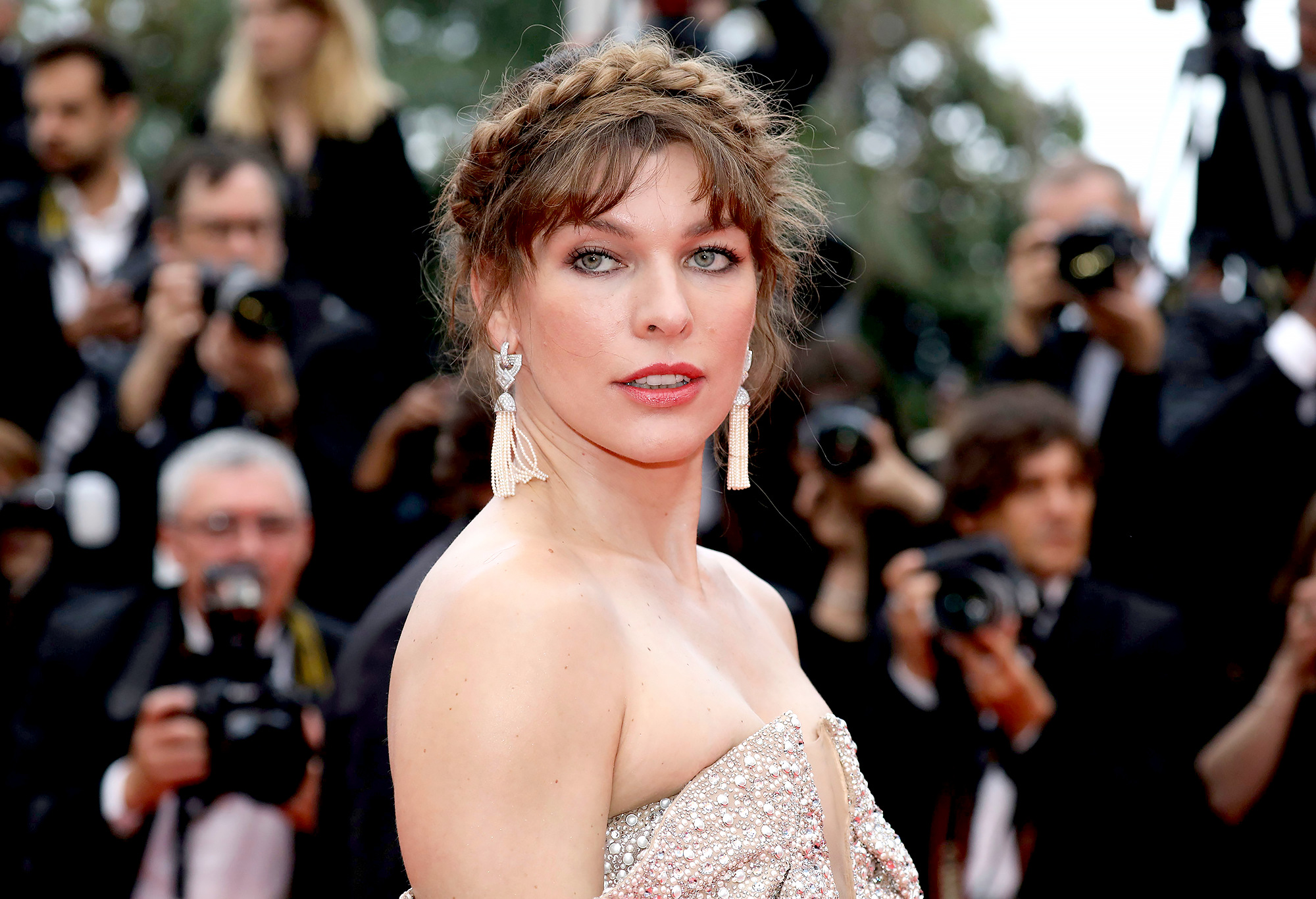 Milla Jovovich Spends Day With Newborn Baby Amid Jaundice Diagnosis 2
