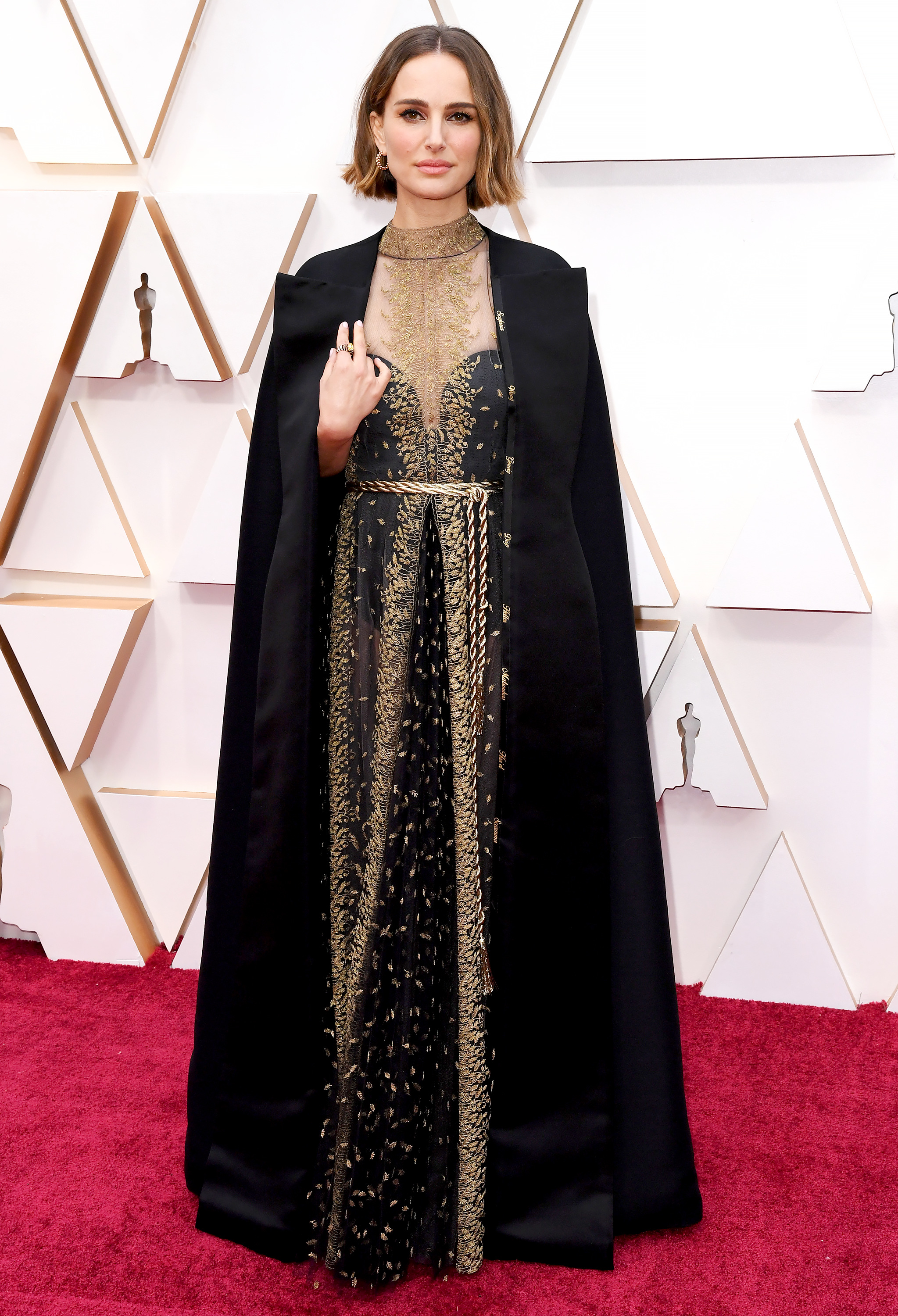 Natalie Portman Honors Snubbed Female Directors With Stunning Oscars Cape 2020
