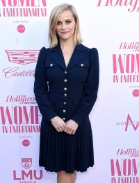Reese Witherspoon Stars Who Love to Bake