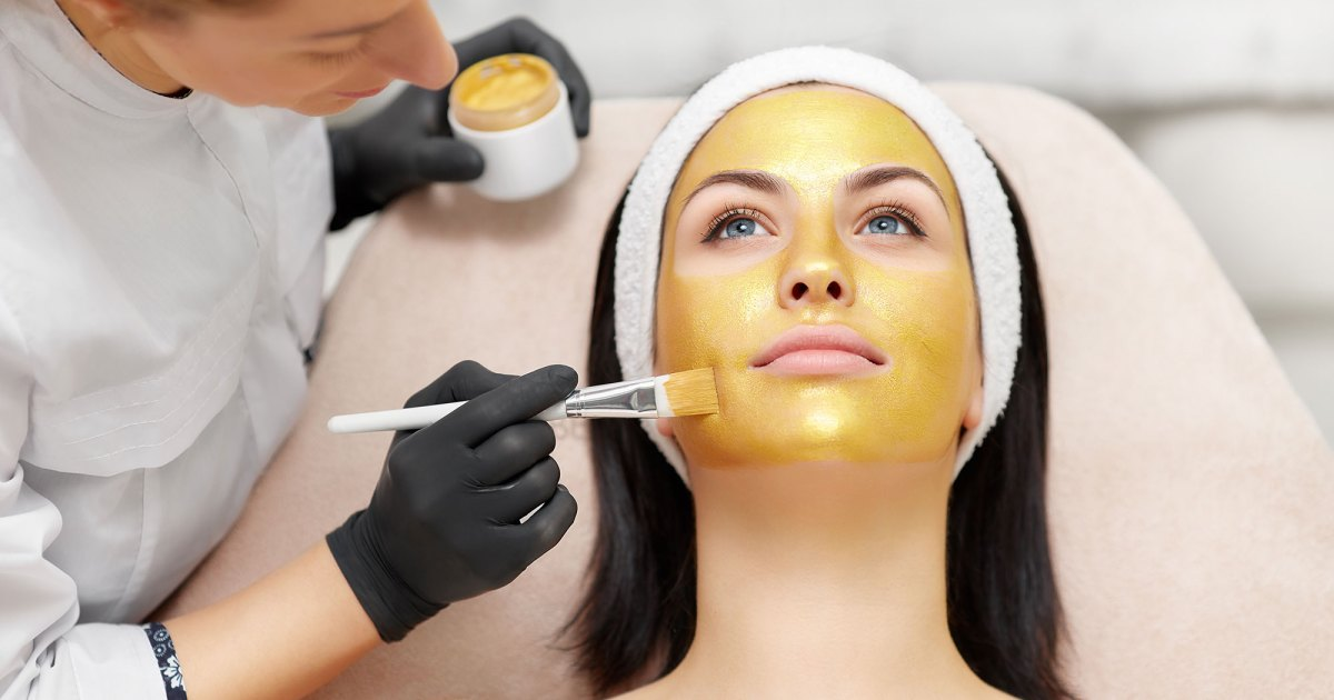 Find Out Why A-Listers Swear by These Gold Collagen Face Masks