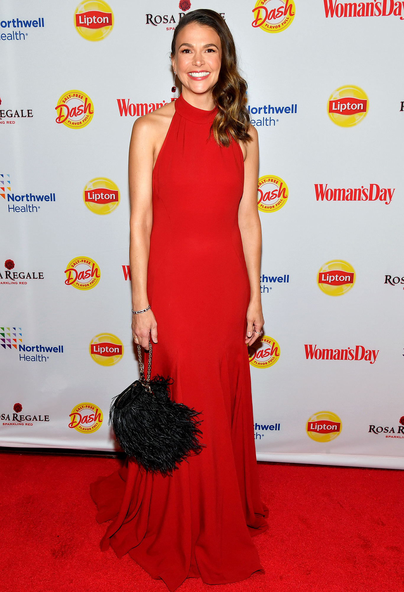 Sutton-Foster-at-Woman's-Day-Red-Dress-Awards