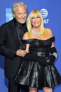 Suzanne Somers Husband Does Strip Tease Her While Shes in Tub