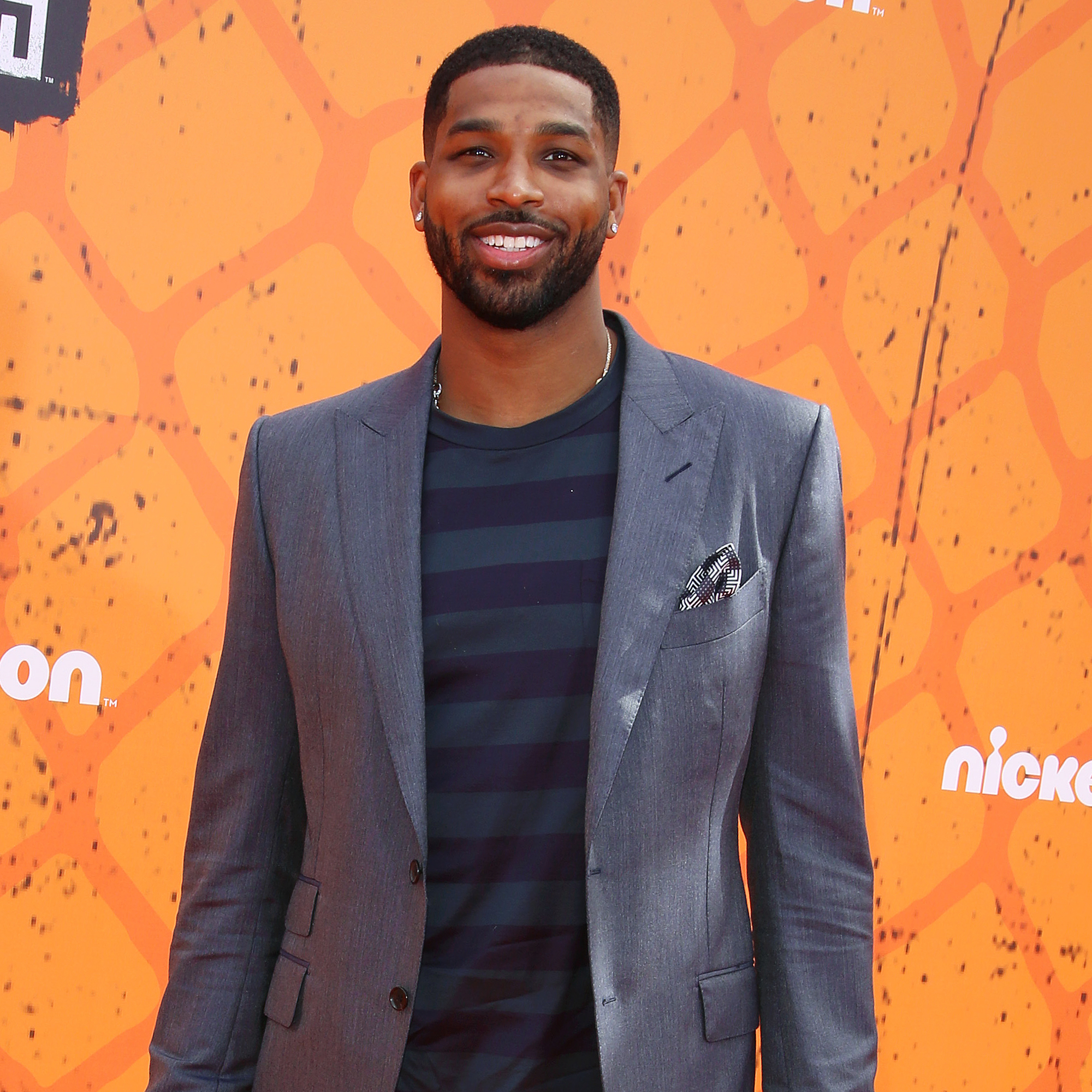 Tristan-Thompson-Dances-With-True-at-Ex-Khloe-Kardashian's-House