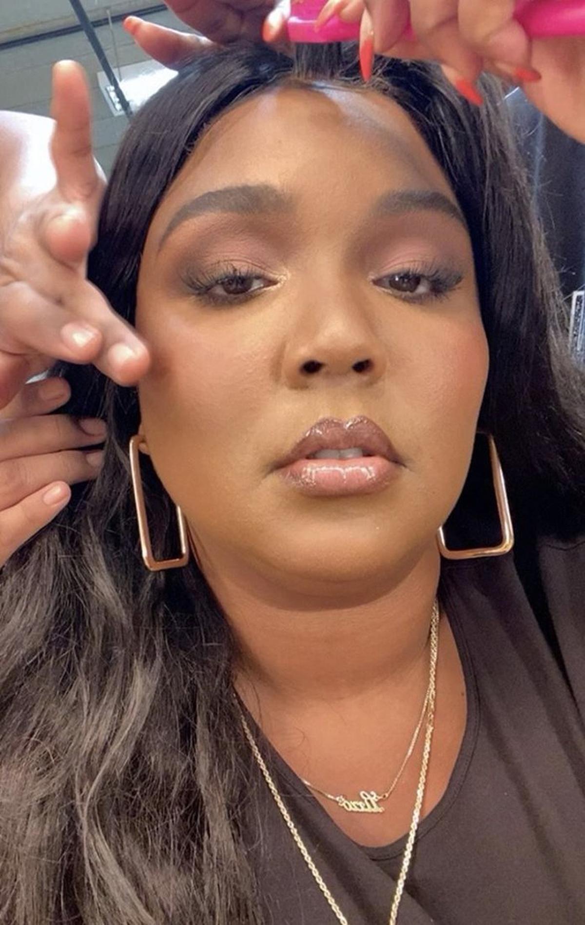 Vanessa Hoop Earrings