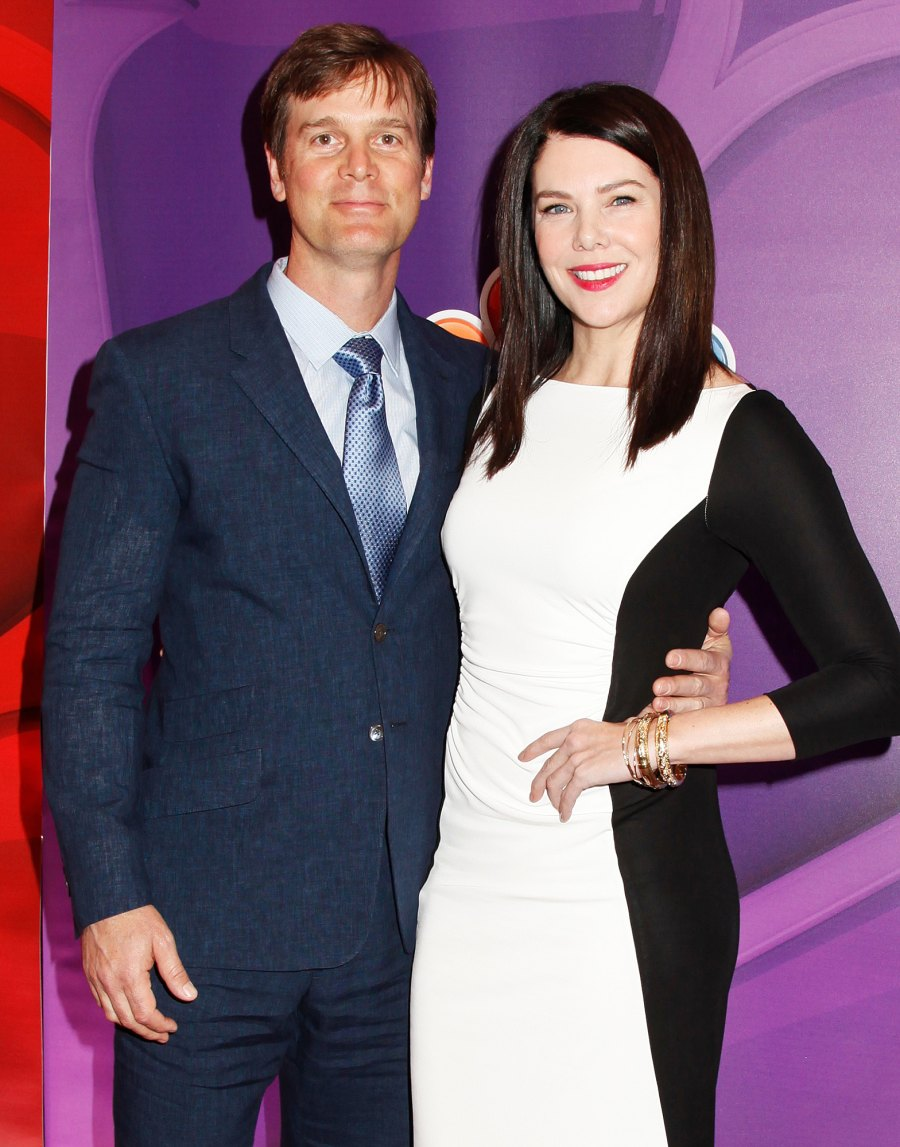 1-Both-star-on-Caroline-in-the-City-Lauren-Graham-and-Peter-Krause