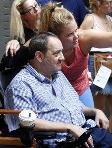 Amy Schumer Son Gene Visit Her Dad Gordon Schumer From Afar Amid Coronavirus