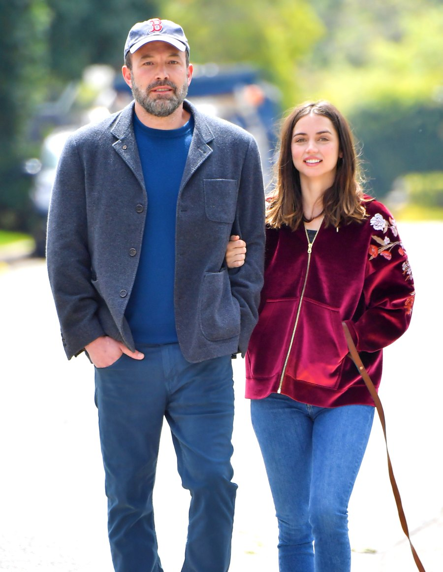Ben Affleck and Ana de Armas Take a PDA-Filled Stroll in Los Angeles