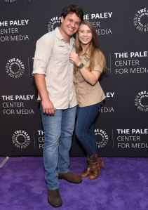Bindi Irwin Marries Chandler Powell Hours Before Australia Coronavirus Lockdown