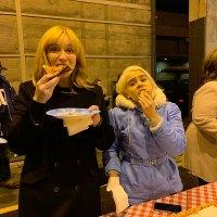 Christina Hendricks and Mae Whitman Pizza Instagram