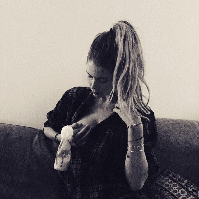 Doutzen Krous Instagram Celebrity Moms Pumping Breast Milk