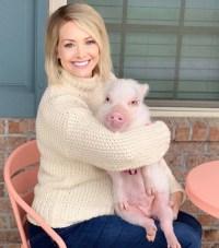 Jenna Cooper pig baby bump
