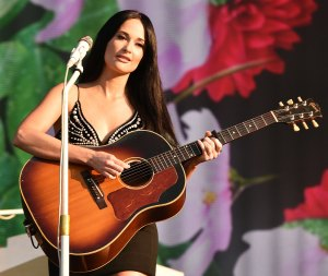 Kacey Musgraves Is Donating Stage Her Clothes
