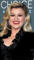 Kelly Clarkson Critics Choice Awards Mom Quotes