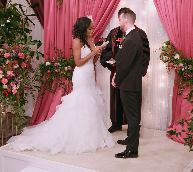 Love Is Blind Wedding Gowns And Suits From Season 1 Pics