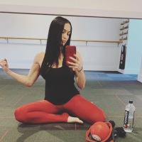 Nikki Bella workout