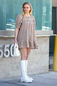 Sophie Turner Pregnancy Outings