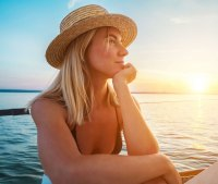 Must-Have Beauty Products for Your Spring and Summer Vacation