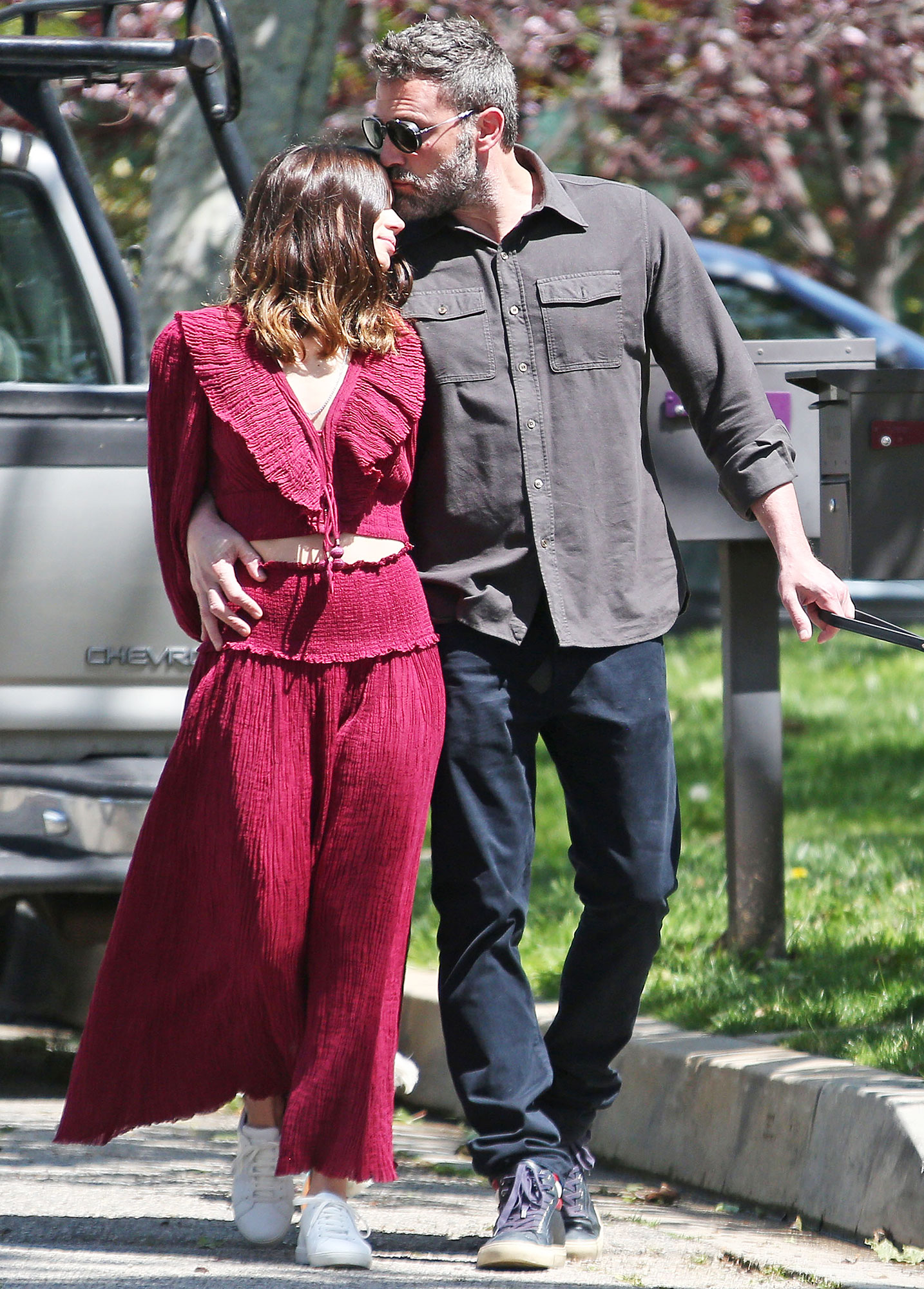 Ben Affleck and Ana de Armas PDA Jennifer Garner Is Very Friendly With Ben Affleck's Girlfriend Ana de Armas