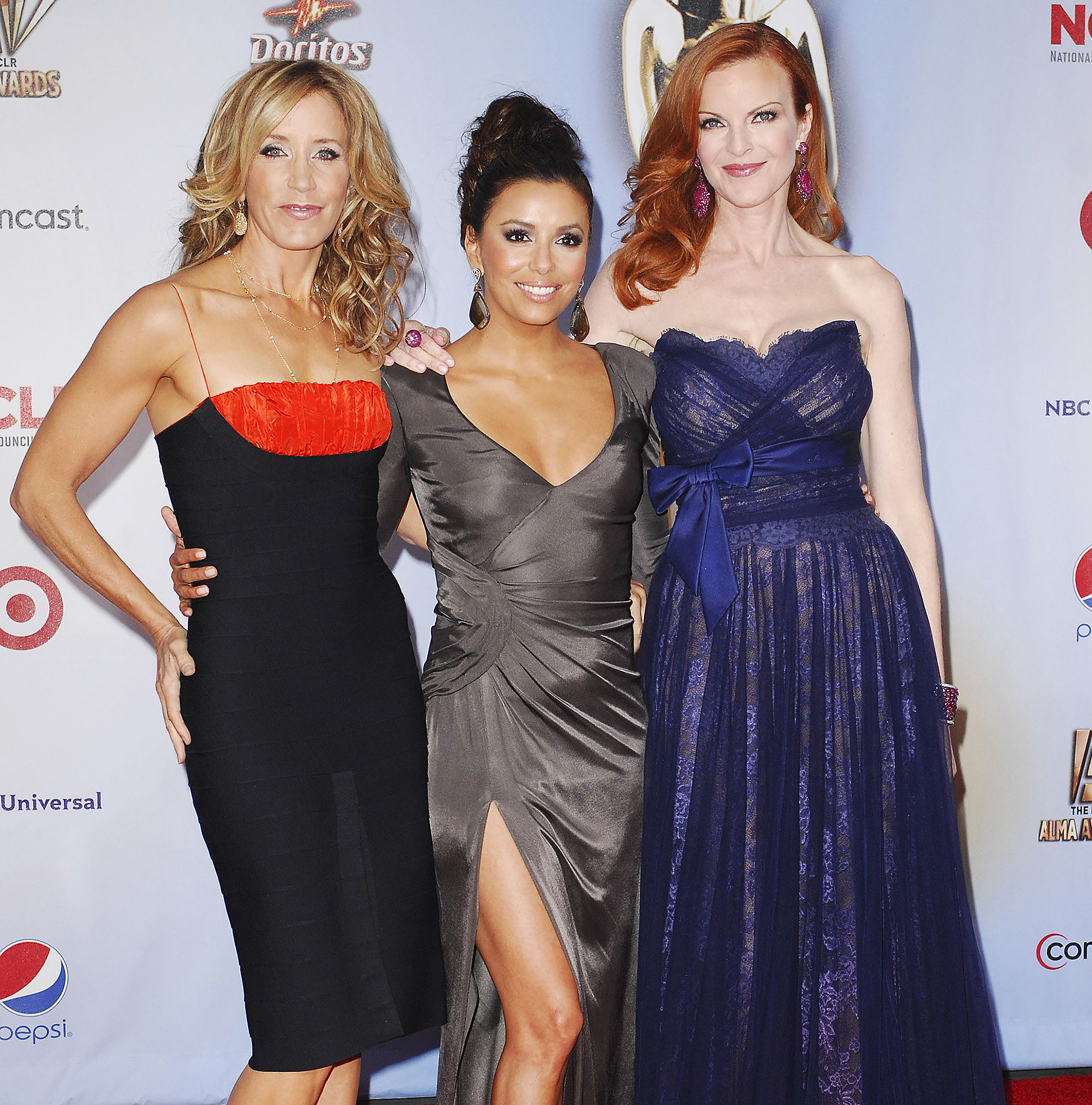 Desperate Housewives Cast Raves About 'Unbelievable Actress Felicity Huffman