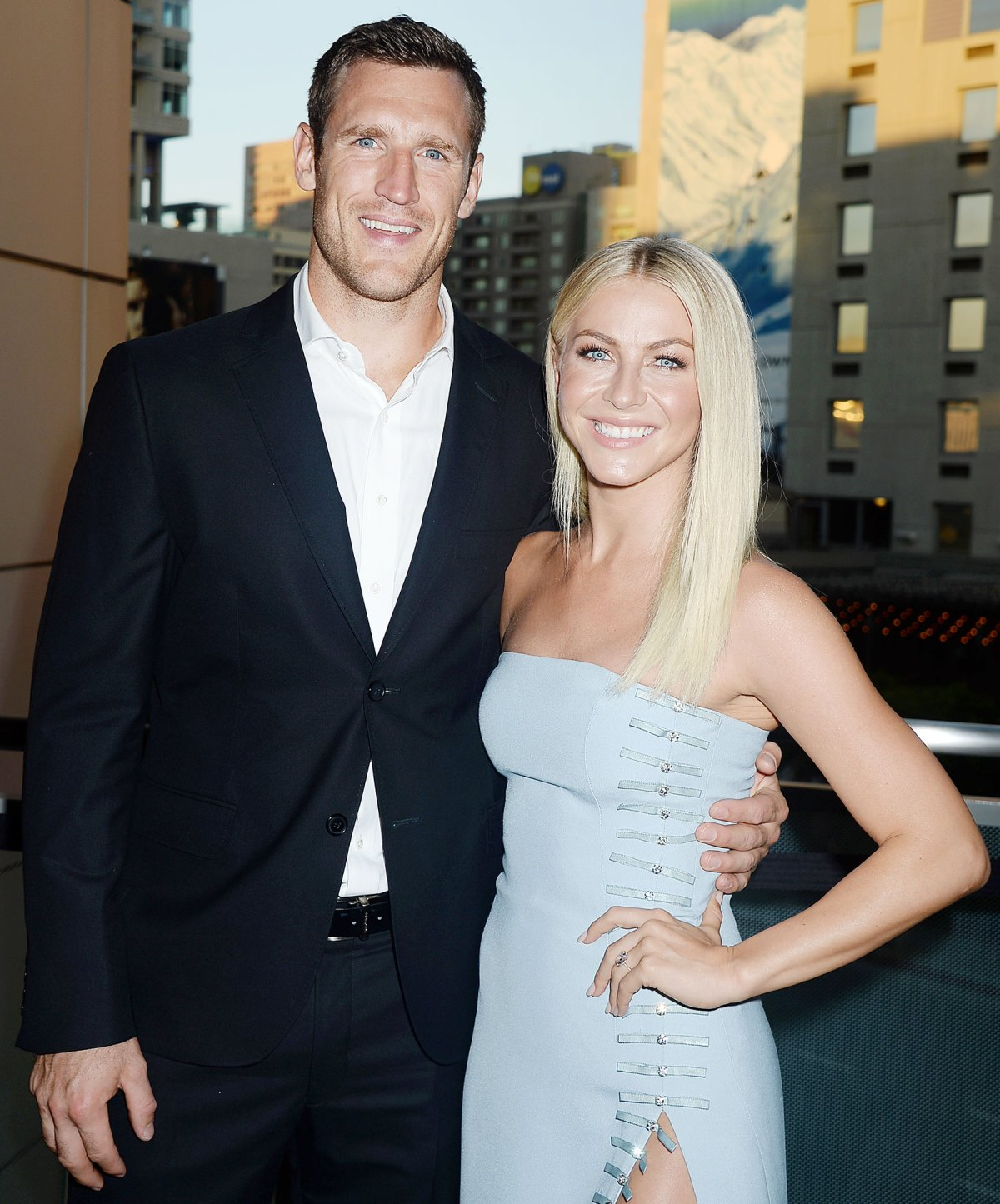 Julianne hough dating country singer from dating to diapers