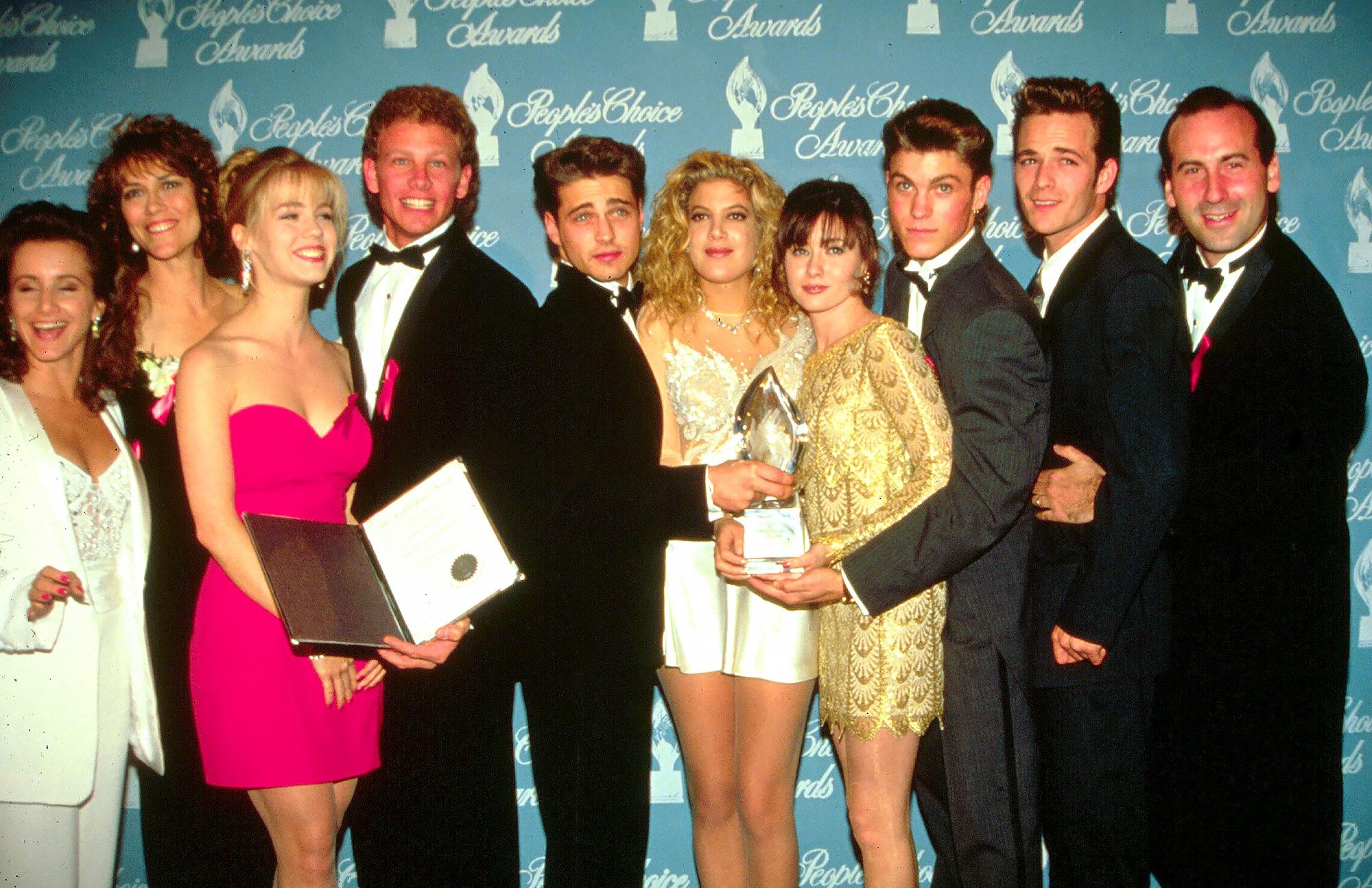 90210 dating de argint)