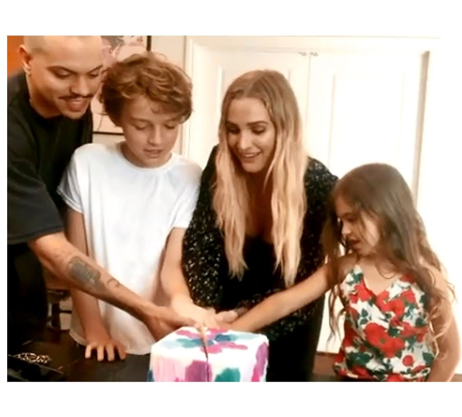 Ashlee Simpson Evan Ross Sweetest Family Moments Ahead Baby No 3