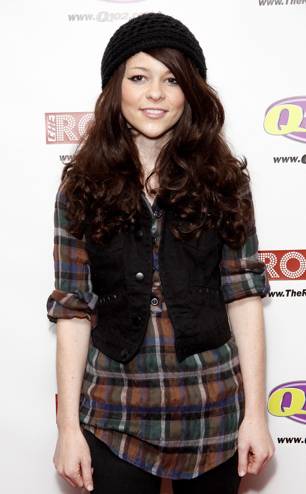 Country Singer Cady Groves Dead
