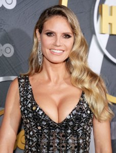 Heidi Klum Gets 'Social Distancing Highlights' At Home...in Lingerie
