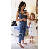 Hilaria Baldwin Baby Bump Mirror Selfie with Carmen