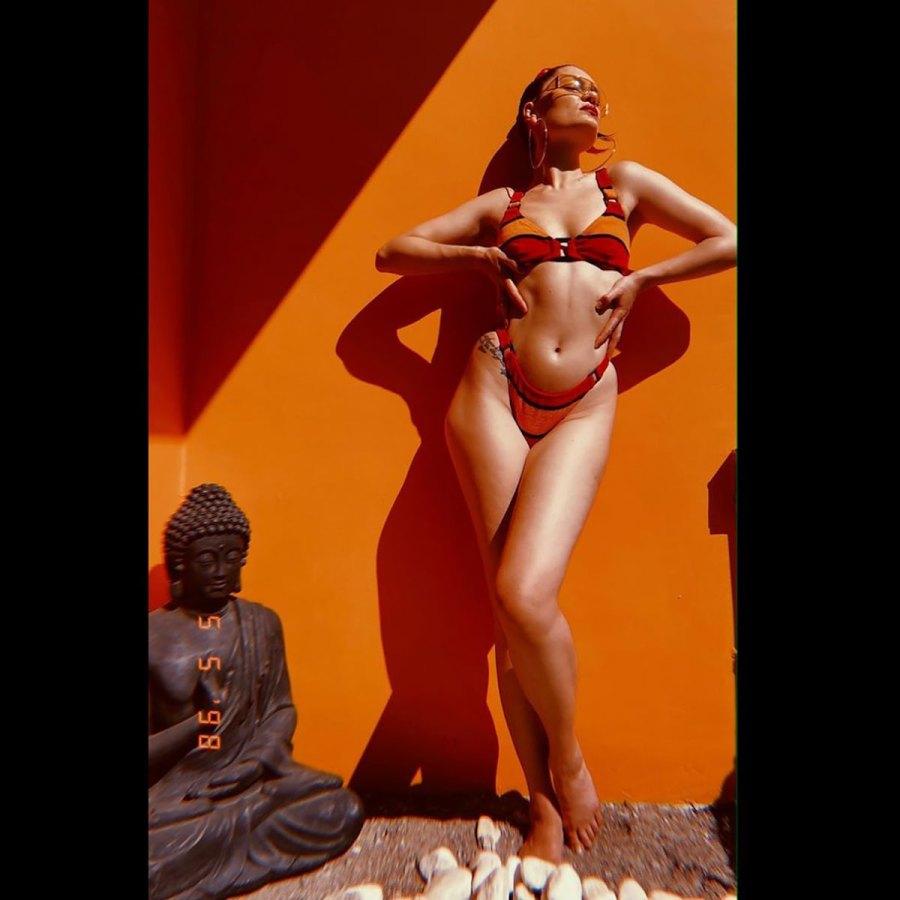 Jessie J Is a Total Smokeshow in This Chic Bikini