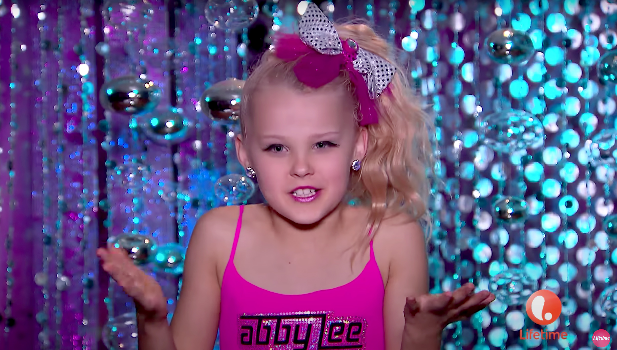 JoJo Siwa Used to Go a Week Without Taking Her Ponytail Out On Dance Moms