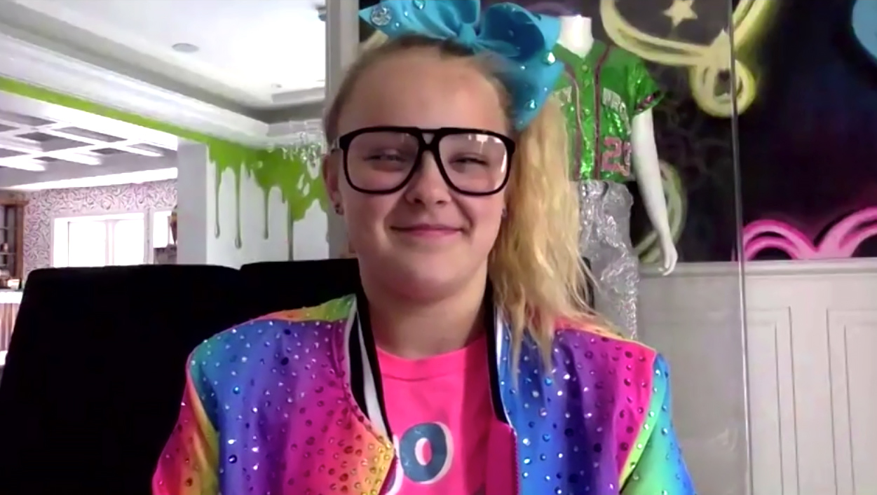 JoJo Siwa Used to Go a Week Without Taking Her Ponytail Out on Dance Moms 2