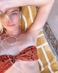 Stars That Spent the Weekend in Bikinis