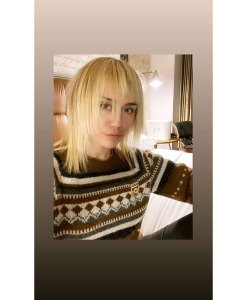 Miley Cyrus' Mom Tish Cuts Her Hair Into a Punky Pixie in Quarantine