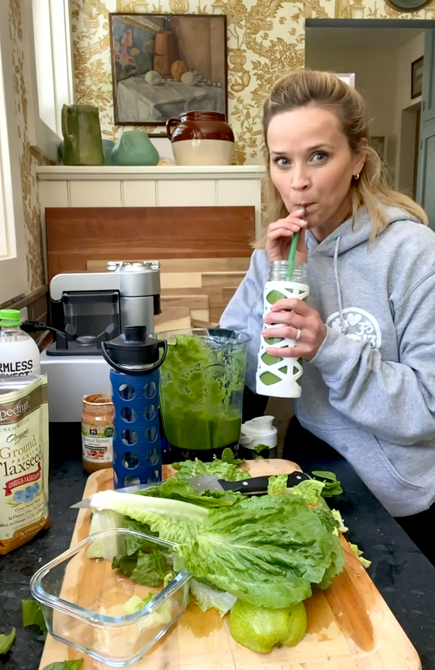 Reese Witherspoon Shares Recipe for the Smoothie She Drinks Everyday
