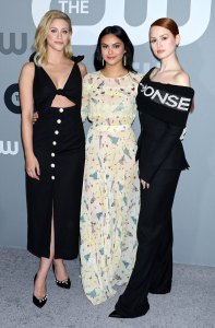 Riverdale Lili Reinhart Camila Mendes Madelaine Petsch Joins The Simpsons
