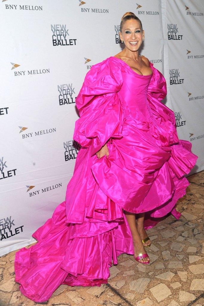 Sarah Jessica Parker Pink Dress Hocus Pocus