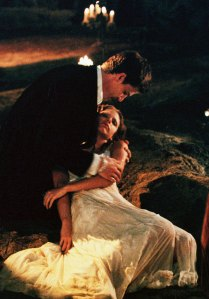 Sarah Michelle Gellar Just Slayed in Buffy's Dress From Season 1