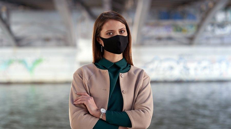 woman-wearing-black-mask