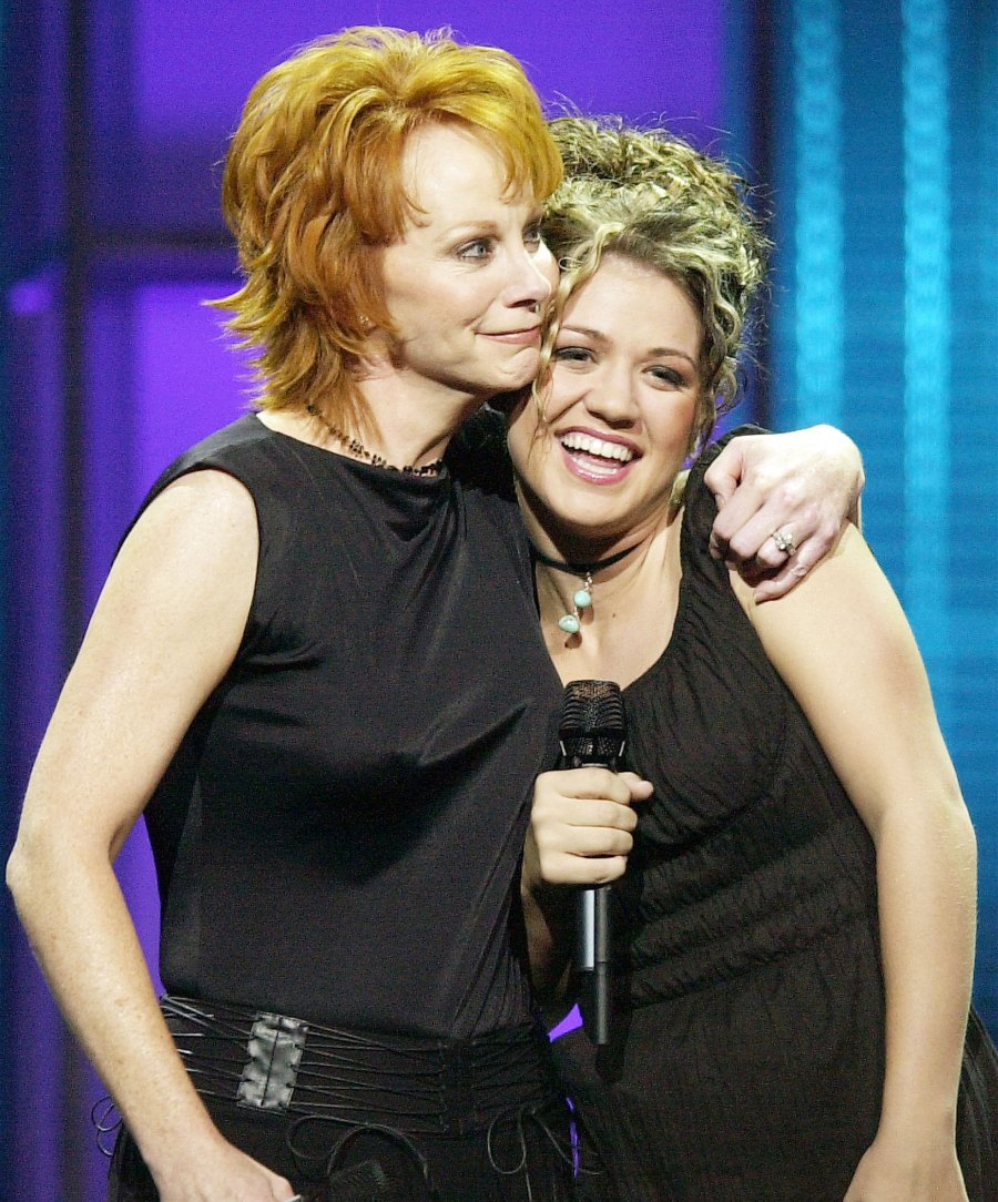 Kelly Clarkson and Reba McEntire on American Idol Inside Kelly Clarkson Close Bond With Estranged Husband Brandon Blackstock Former Stepmom Reba McEntire