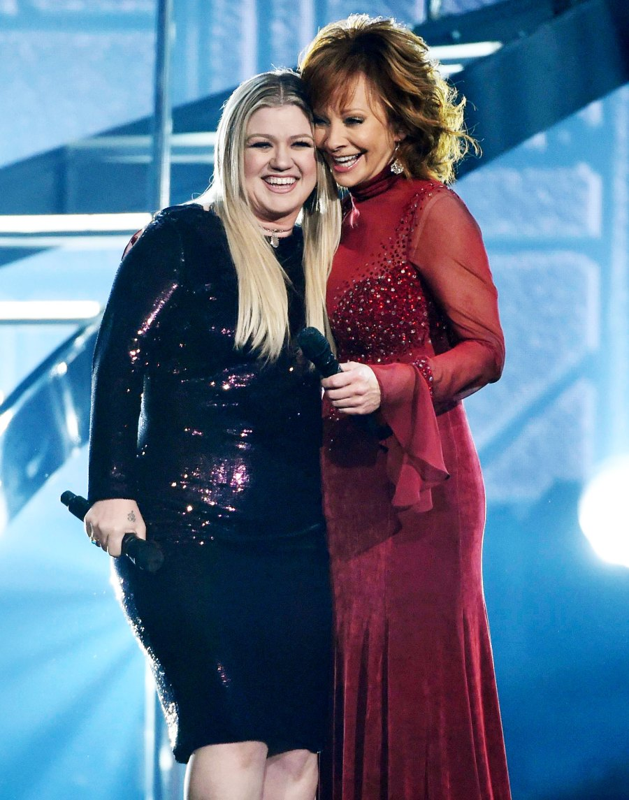 Kelly Clarkson and Reba McEntire Performing at Academy of Country Music Awards Inside Kelly Clarkson Close Bond With Estranged Husband Brandon Blackstock Former Stepmom Reba McEntire
