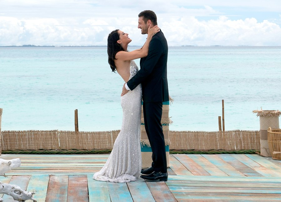 Becca Kufrin and Garrett Yrigoyen on The Bachelorette Becca Kufrin and Garrett Yrigoyen Relationship Timeline