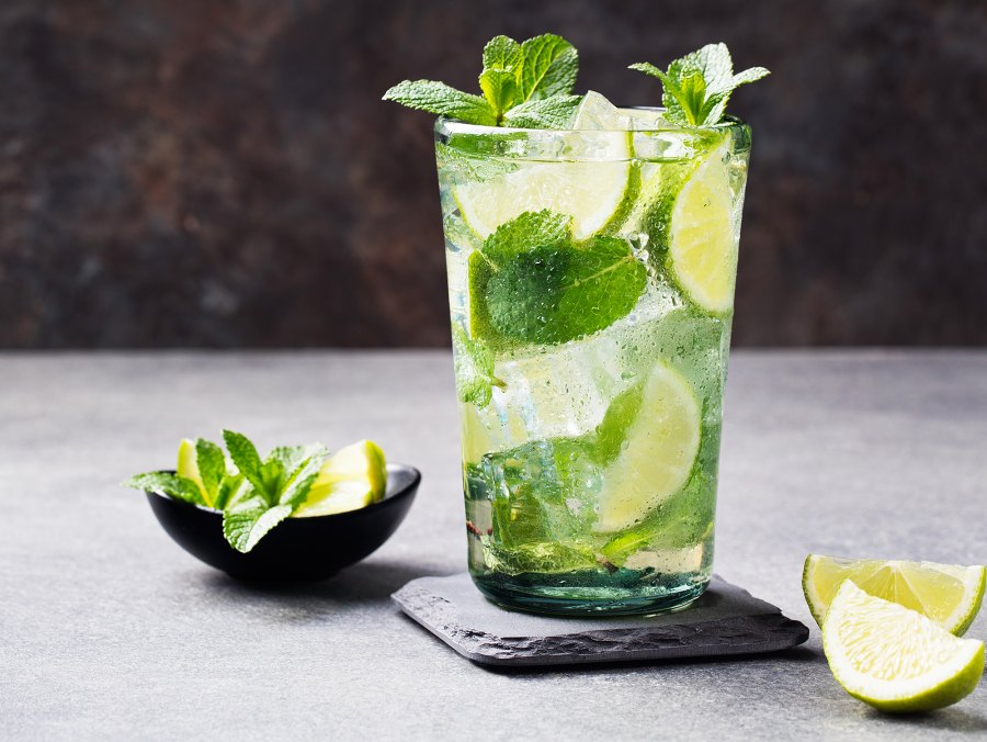 A Lighter Mint Mojito Celebrity Dietitian Keri Glassman Shares Low-Calorie Summer Cocktail Recipes That Taste Great