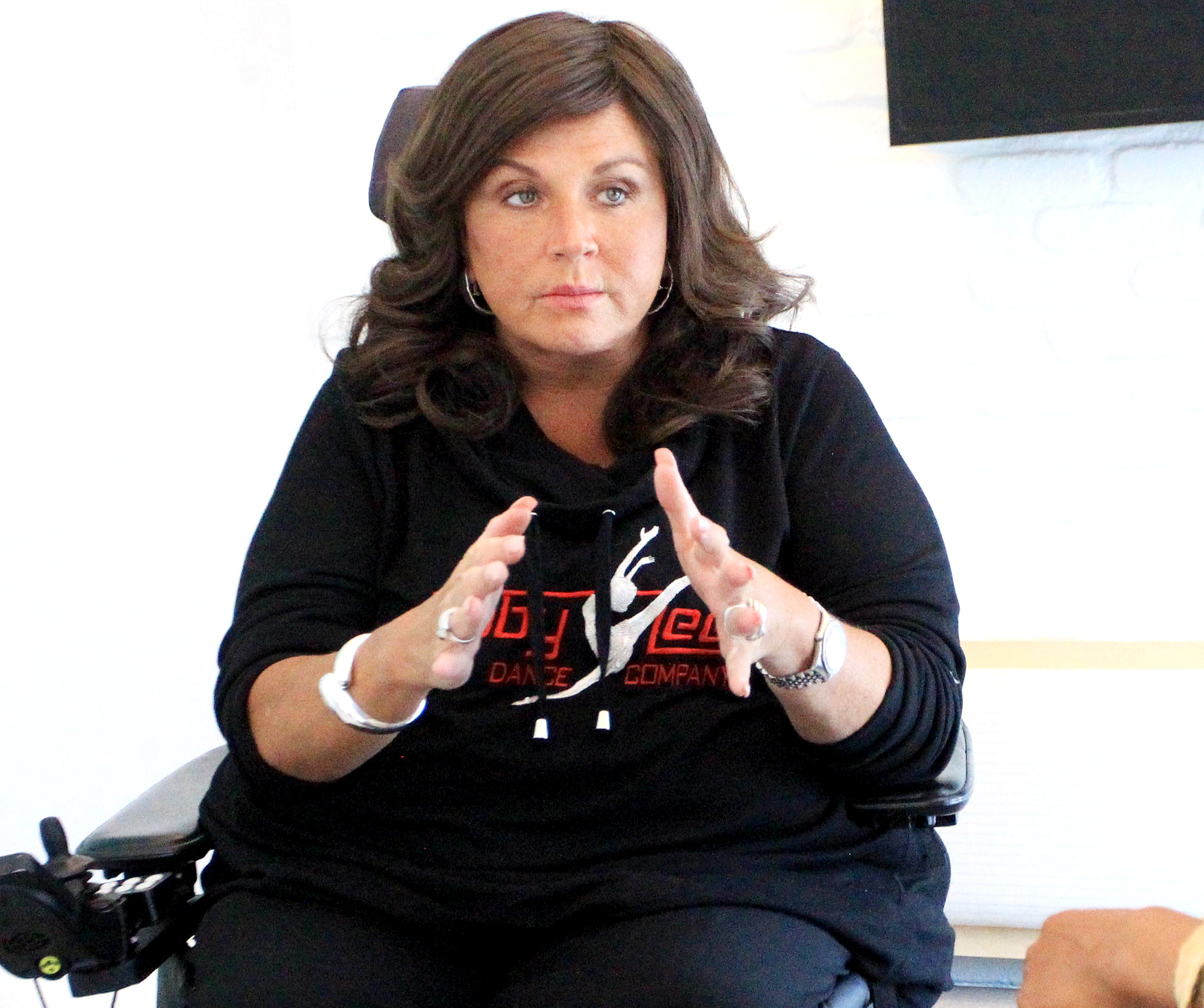Abby Lee Miller Apologizes After Dance Mom Costar Calls Her Racist